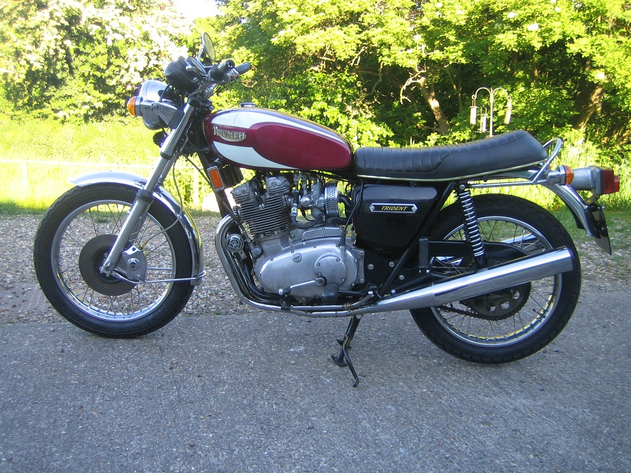 1976 Triumph Trident T160V: Complete Top End Overhaul by NSMB